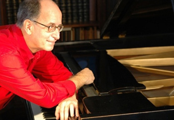 "Antonio Adolfo: ""Primeiro cantor independente foi Tim Maia"""