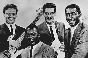 Booker T and the MG's, um dos primeiros grupos dos EUA formado por negros e brancos